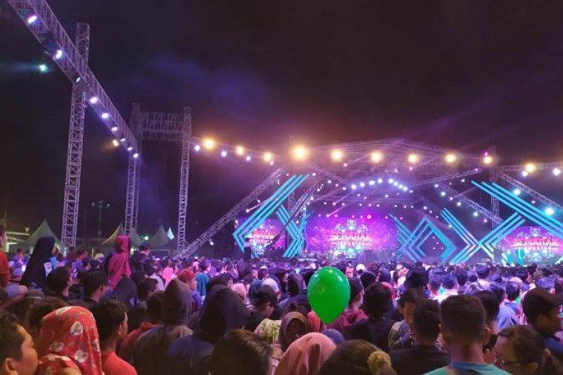 """Semarak Indosiar"" di Yogyakarta sajikan hiburan musik dangdut"