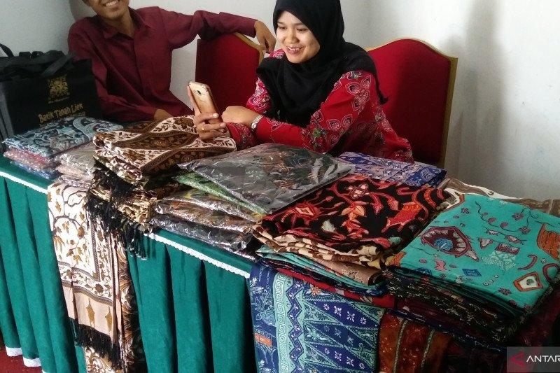 Dosen Unand ciptakan dan patenkan 42 motif batik khas Minang