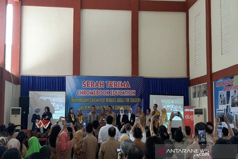 SMP Karangmojo Gunung Kidul menerapkan Google bidang pendidikan
