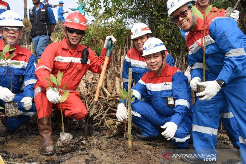 Dua SD Dumai diberi motivasi belajar relawan Pertamina Energi
