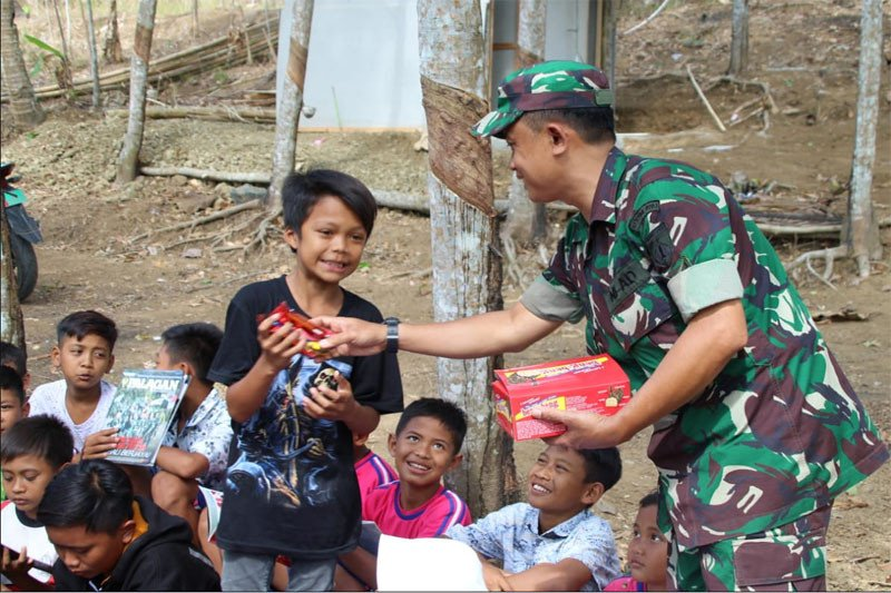 TMMD, Tim Kodim Cilacap berikan wawasan kebangsaan ke anak sekolah