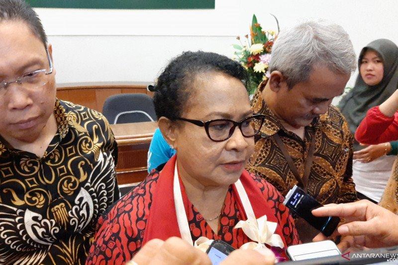 Menteri Yohana sebut perempuan Indonesia siap menuju planet 50:50