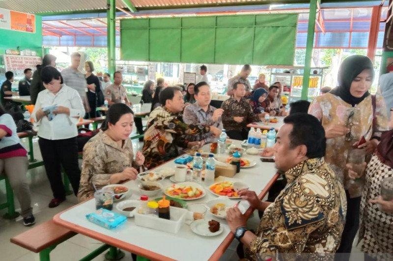 Puan santap tongseng sapi usai cek keamanan Kompleks Parlemen