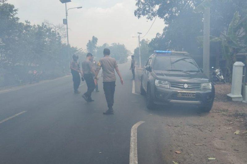 Kebakaran hebat  di Jalintim Mesuji Lampung  Perbatasan Provinsi Sumatera Selatan/Antaranews Lampung com Foto /Raharja)