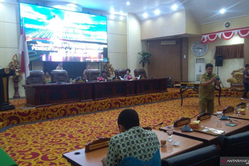 Alot dan Panas DPRD Manado Tetapkan AKD