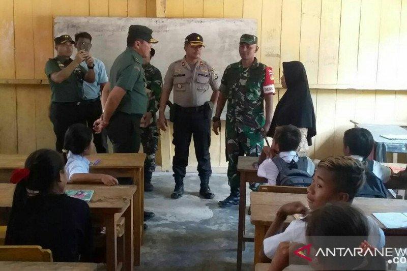 Tim Wasev TNI berharap anak-anak di desa sasaran TMMD tidak ada putus sekolah