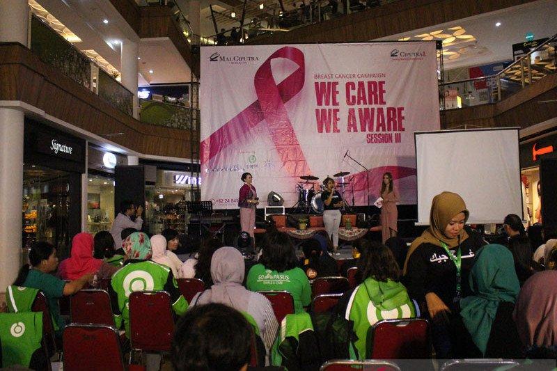 Srikandi Gojek dapat pemeriksaan kanker payudara gratis