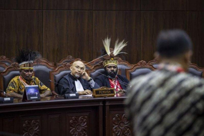 Sidang pengujian UU Otsus Papua