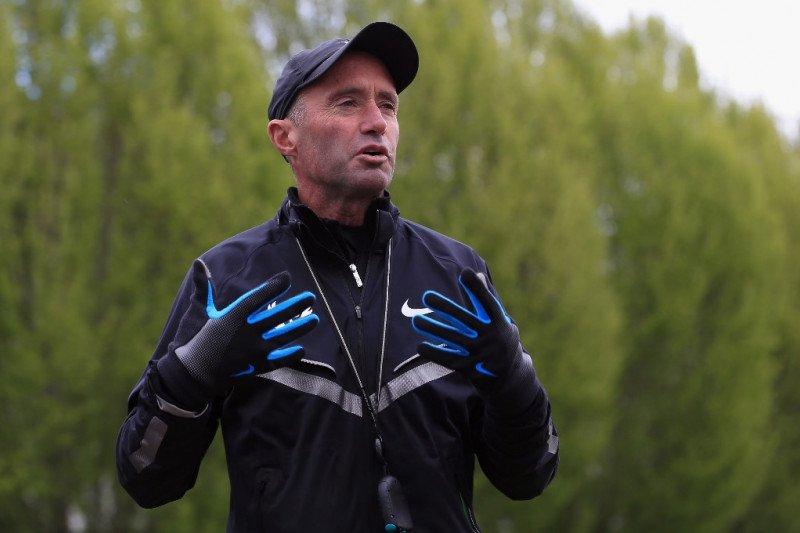 Pasca-skandal doping Salazar, bos atletik Inggris mundur