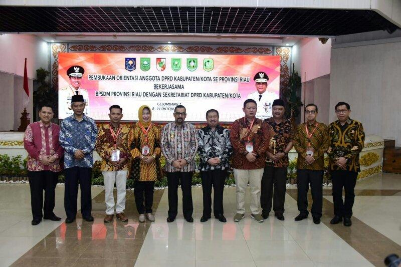 Bupati Bengkalis hadir di pembukaan orientasi anggota DPRD se Riau