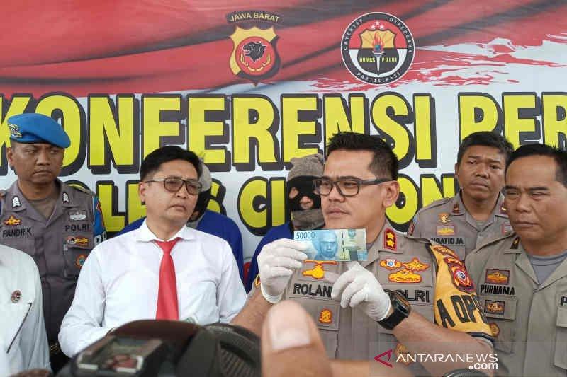 Polisi Kota Cirebon kejar satu orang lagi pengedar uang palsu