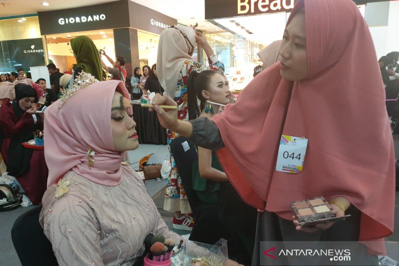 QL Cosmetic kenalkan produk lewat Makeup Competition