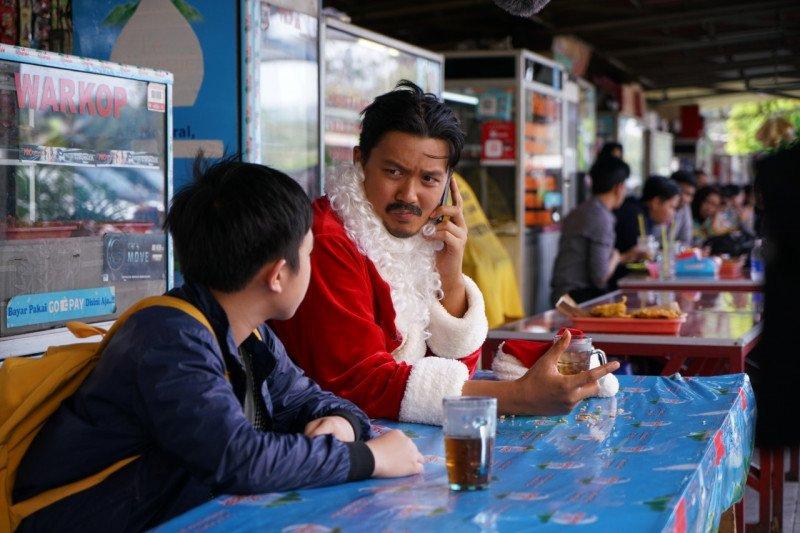"Dirly Idol bintangi film ""Kurindu Natal Keluarga: Sinterklas dari Jakarta"""