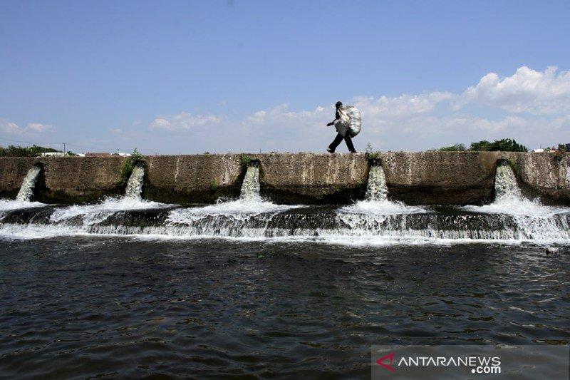 Pemanfaatan Sabo dan Dam saat musim kemarau Foto Page 1