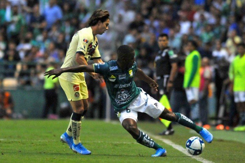 MU dan Sevilla incar pemain Sebastian Cordova