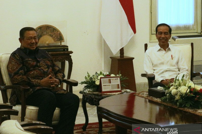 Jokowi receive visit SBY to discuss Indonesia's current political state