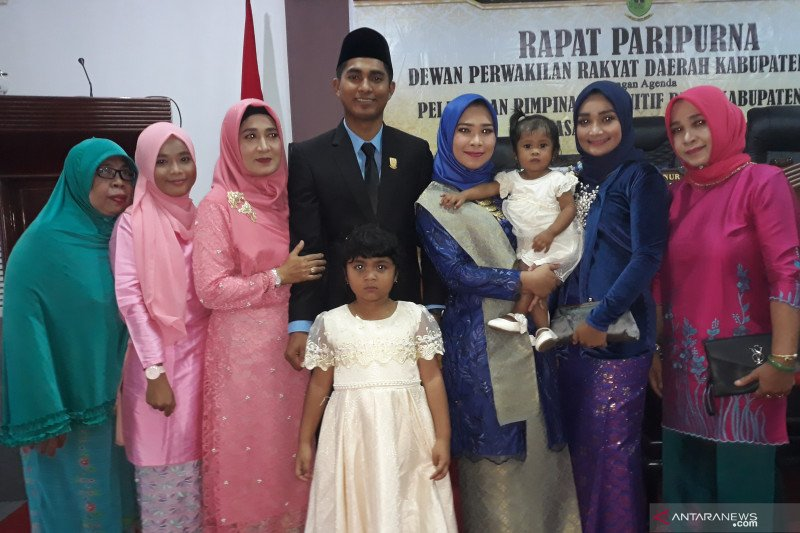 Ketua DPRD Natuna di mata keluarga