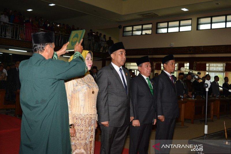 Empat pimpinan definitif DPRD NTB dilantik