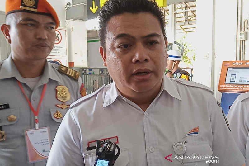KAI Cirebon imbau warga tak melakukan pelemparan batu ke kereta