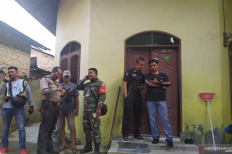 Polisi periksa rumah keluarga penusuk Menkopolhukam Wiranto