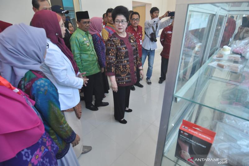 Kunjungan Menteri Kesehatan di Palu