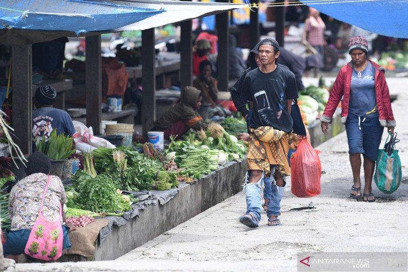 Papua Terkini - aktivitas pasar tradisional kembali normal
