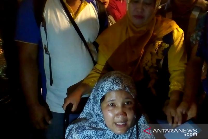 Korban Wamena sampai di Padang dengan bekas luka bakar