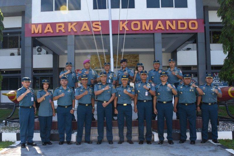 Tim Safari Personalia TNI Angkatan Laut Kunjungi Lantamal Manado