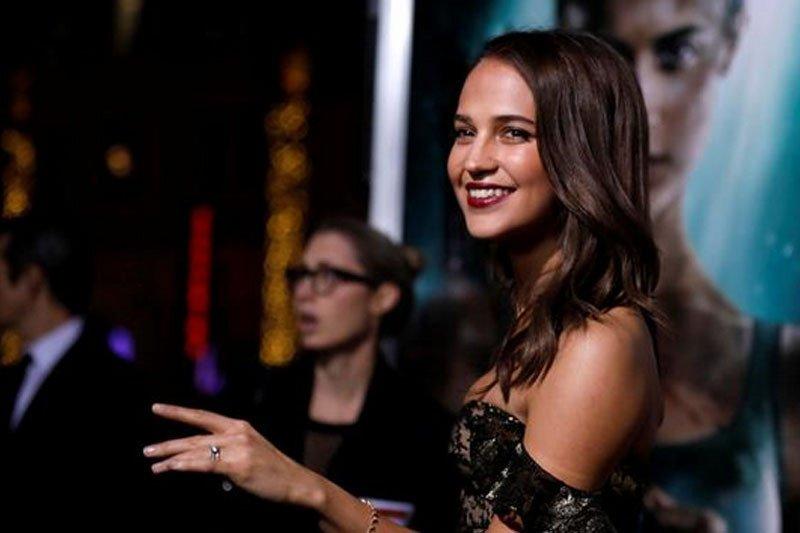 """Alicia Vikander ambil peran dwibahasa dalam film """"Earthquake Bird"""""""