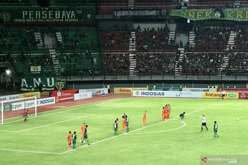 Persebaya ditahan 0-0 Borneo FC  pada babak pertama