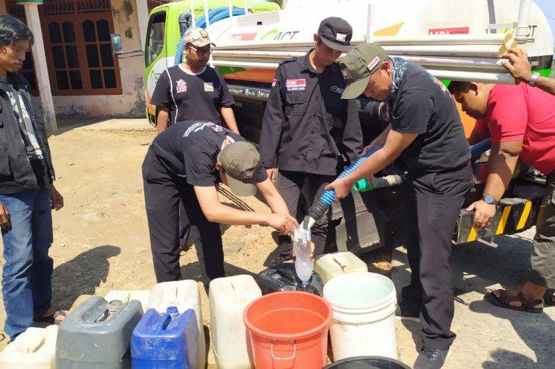 ACT-Waroeng SS salurkan air bersih ke wilayah terdampak kekeringan