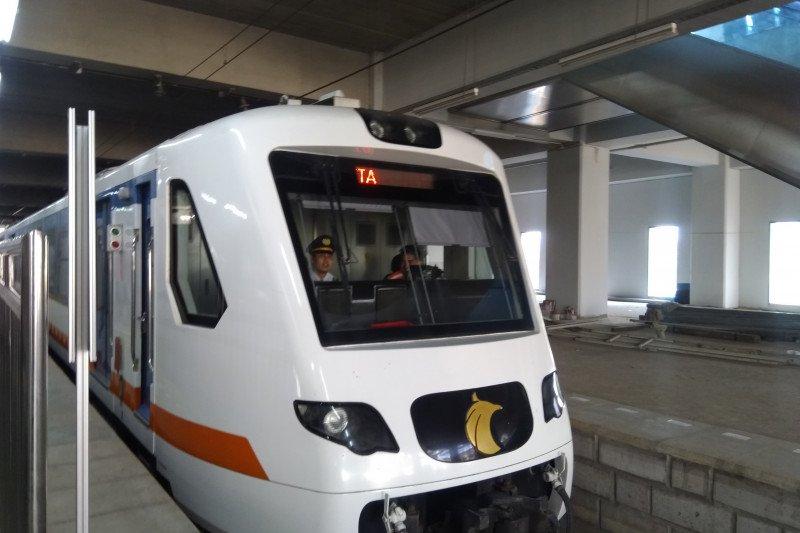 Menjajal KA Bandara Soekarno Hatta dari Manggarai