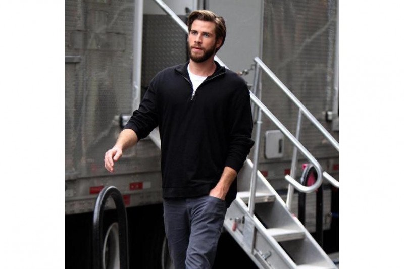 Liam Hemsworth gandeng bintang