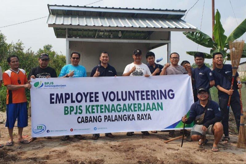 BPJS Ketenagakerjaan laksanakan bakti sosial bersama warga Palangka Raya
