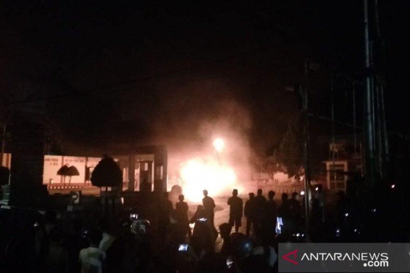 SPBU di Agam terbakar saat kendaraan antre mengisi BBM