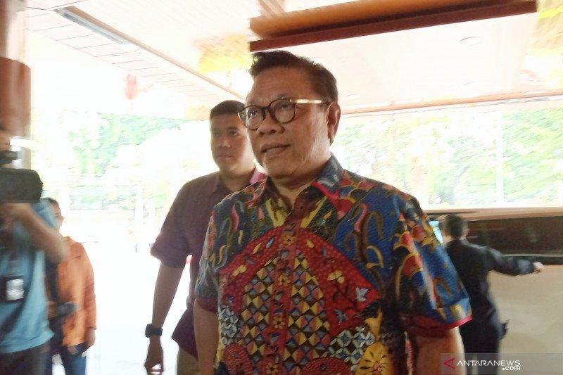 Agung Laksono sambangi RSPAD besuk Wiranto