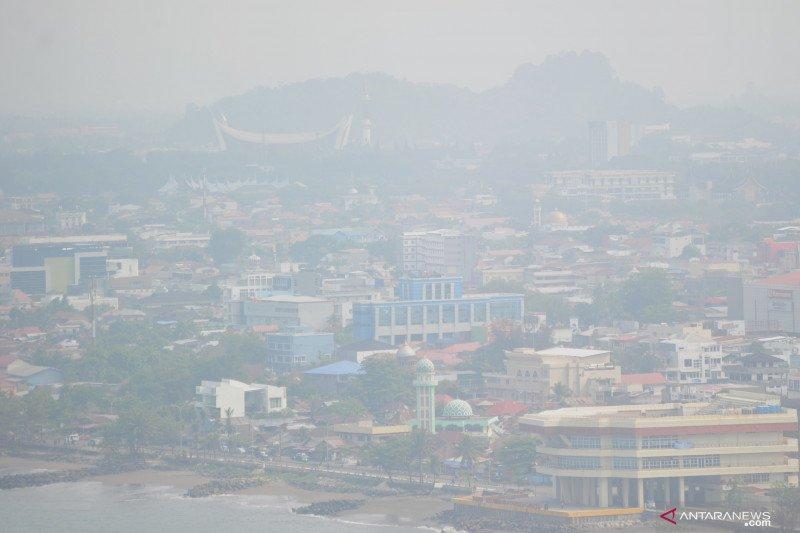BMKG pantau sebaran asap di sisi timur Sumatera Barat