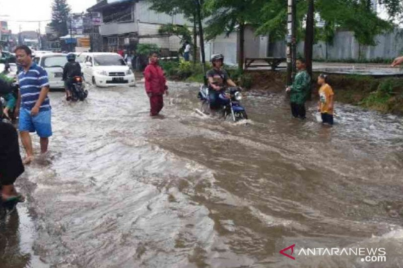 Walikota Palembag ajak  kader lingkungan cegah banjir