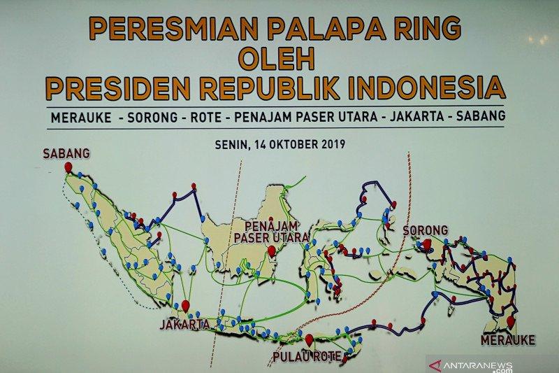 """Kepala daerah """"curhat"""" ke Jokowi saat peresmian Palapa Ring"""