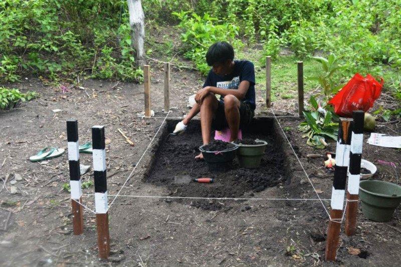 Ekskavasi Balai Arkeologi Papua menemukan obsidian