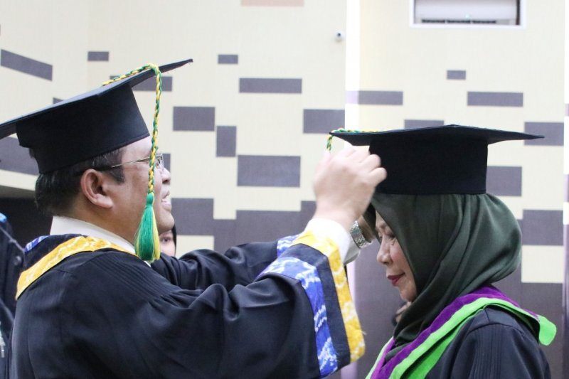 ULM rector provide up to IDR500 million for lecturer to be professor