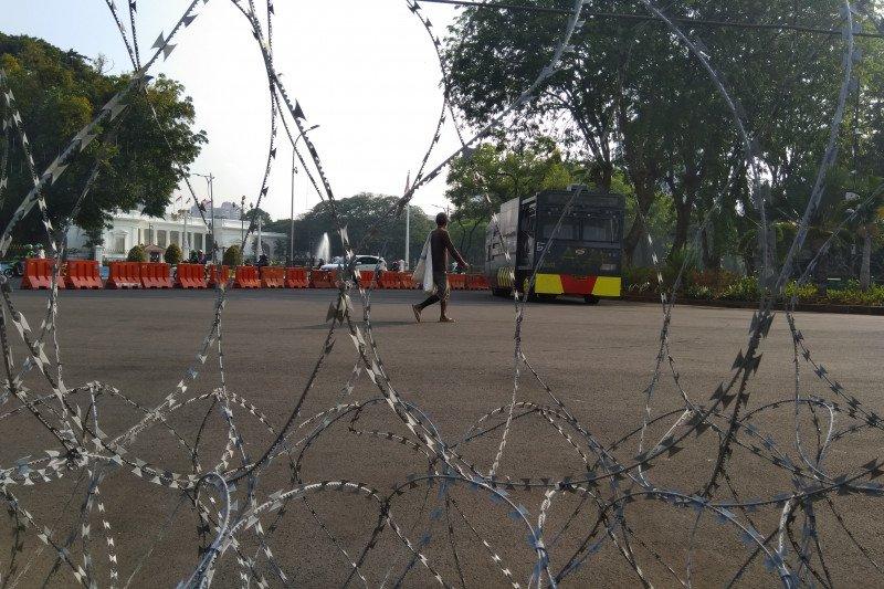 """Info ada demo, satu unit """"water canon"""" disiagakan depan Istana"""