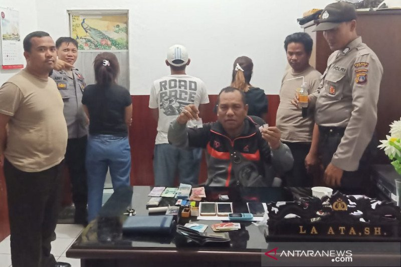 Polisi ringkus tiga terduga pelaku narkoba di Tawaeli