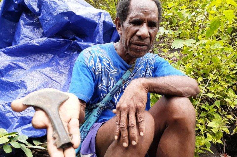 Kapak perunggu ditemukan di Situs Bobu Uriyeng Papua