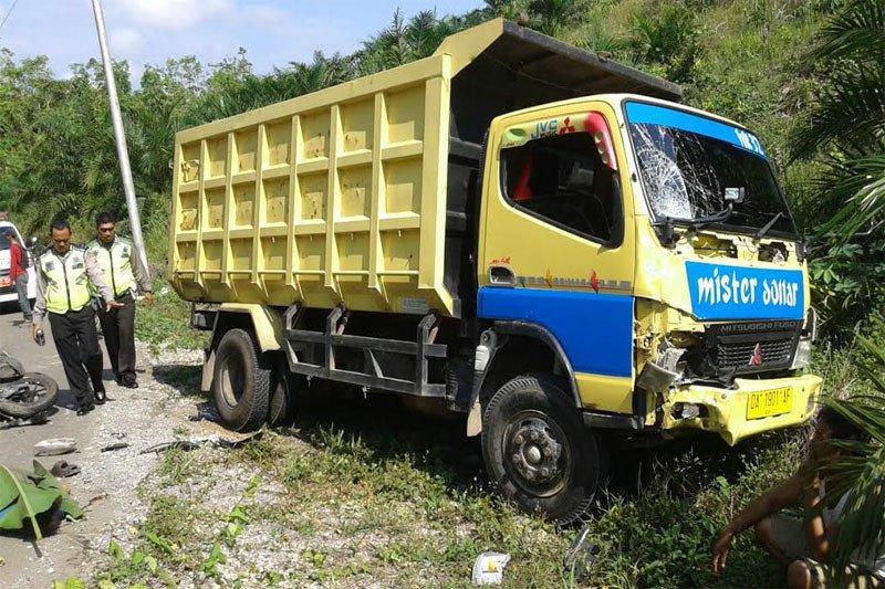 Suami istri warga Pendreh tewas ditabrak truk