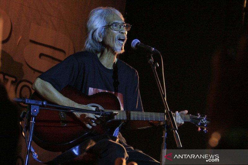 Bagaimana awalnya musik rock ke Indonesia?