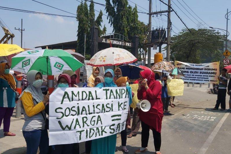 Warga protes pembangunan Super Blok Trans Icon di Surabaya