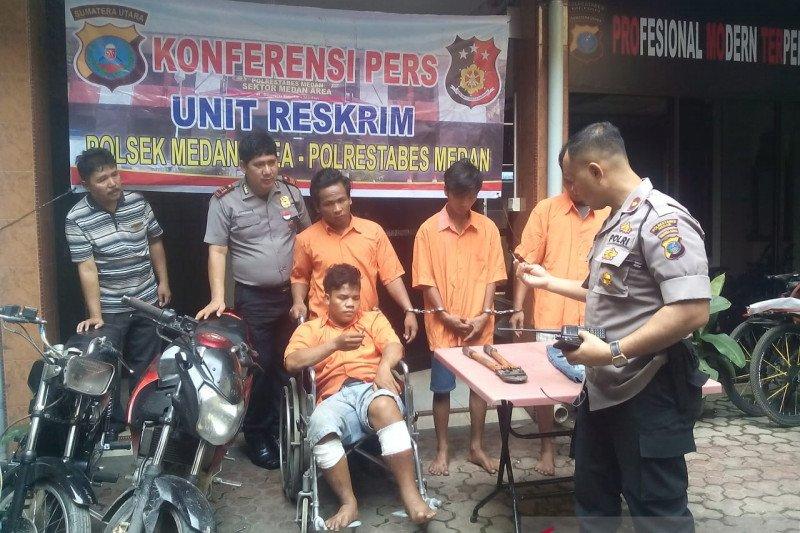 "Polisi tembak bos kawanan bandit ""becak hantu"" di Medan"