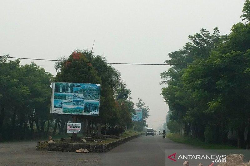 Masyarakat Solok Selatan mulai rasakan mata perih akibat kabut asap