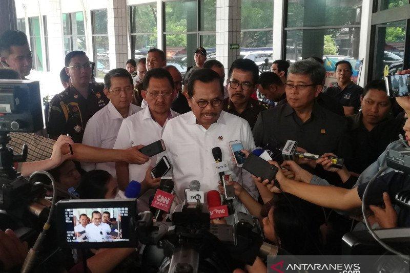Kasus penusukan Wiranto, Jaksa Agung: Kami tunggu berkasnya